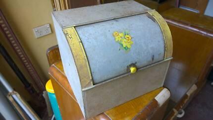 ANTIQUE BREAD BOX / TIN Blackheath Blue Mountains Preview