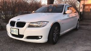 BMW 2011 323i excellent condition