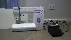 Janome 415 Sewing Machine with hard case East Maitland Maitland Area Preview