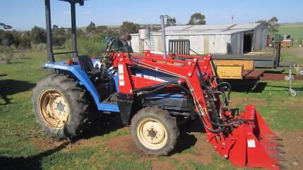 Iseki tractor  Relisted Balliang East Moorabool Area Preview