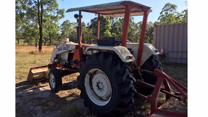 Tractor David Brown 990 with front end loader