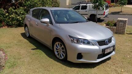 IMMACULATE PRIVATE SALE - 2011 LEXUS CT200H Door HATCH – 49,500 k