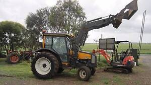 Valtra 800 with 4 in 1 loader full cab aircon/heater Balliang East Moorabool Area Preview