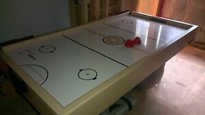 "Professional 7"" air hockey table"