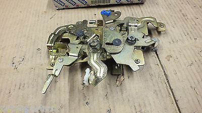 New Genuine Nissan Prairie M11 L/H Remote Door Lock  82505-32R00   N17