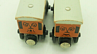 Thomas Wooden Railway Trains Annie & Clarabel Learning Curve 1999 Good condition