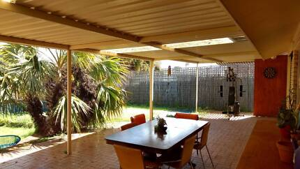 room to rent for single/couples 5 min from freo (bills inc)