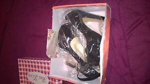 Ladies size 6 heels Maryland Newcastle Area Preview