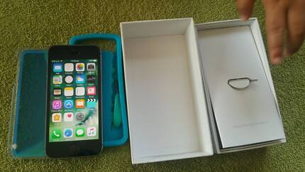 iphone 5s 16gb VERY G. condition