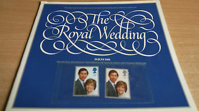 THE ROYAL WEDDING 29 JULY 1981 POST OFFICE SOUVENIR BOOKLET + 14p and 25p STAMPS.