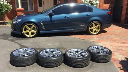 SET of 19 inch Holden VF SSV Factory Alloy Wheels w/ good tyres