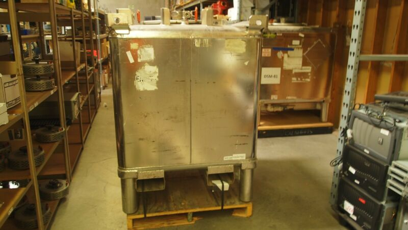 Clawson Stainless Chemical Sealed Pressurize Fluid Storage Vessel Container Tank