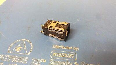 MICRO SWITCH MOMENTARY SPDT PUSH BUTTON AML22CBF2AA 24VDC RED LED HONEYWELL