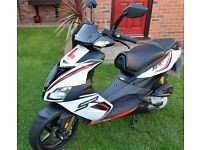 2015 Aprilia SR50 R Motorcycle Scooter Racing White 1 Owner De-Restricted 50+mph 1783 Miles Only