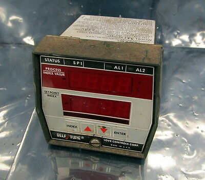 Love Controls Process Controls 321 Self Tune Plus Process Temperature Controller