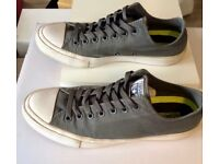 Converse Chuck Taylor size 9 men's trainers.