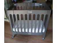 Bloom Alma Mini Urban Crib Frost Grey