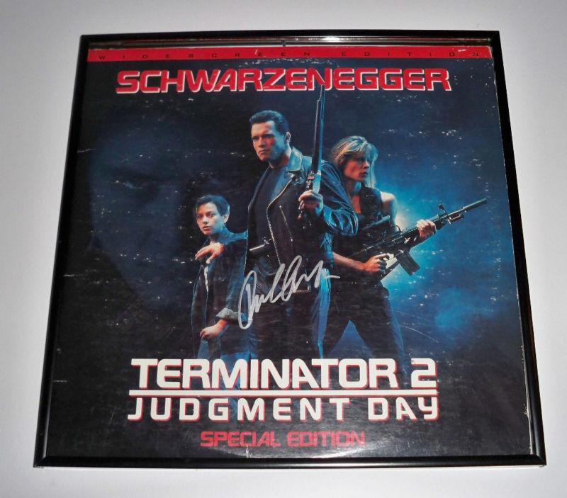 Terminator 2 ARNOLD SCHWARZENEGGER Signed Album JSA!