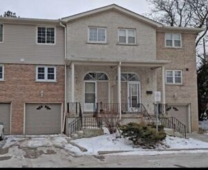 Newly Renovated 3 Bedroom 3Bathroom Townhouse