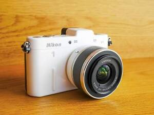 Nikon 1 V1 camera with Nikkor 10-30mm lens Randwick Eastern Suburbs Preview