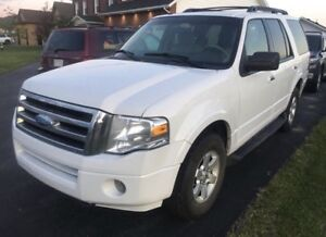 2010 Ford Expedition - Ready for a new family - REDUCED ***