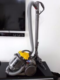 DYSON DC19 T2 Multi Floor Cylinder Vacuum Cleaner NEW CONDITION
