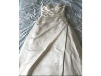 Stunning wedding Dress/Gown