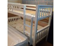 2x3' Bunk Bed with Ladder in Oak - White color
