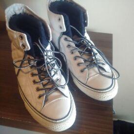 URGENT Converse shoes size 8UK/EUR41.5