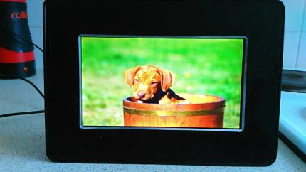 """7"""" Inch Digital Photoframe and Sandisk 4gb sd card Bronte Eastern Suburbs Preview"""