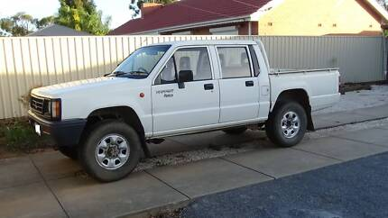 Triton MH Dual Cab - READ AD - Parting/scrapping/selling