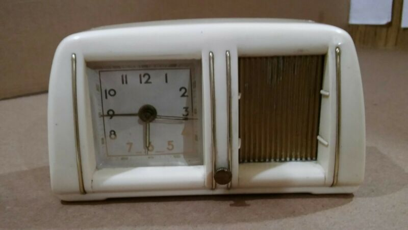 Vintage 1960s Dollar Princess ivory plastic music box alarm clock Germany