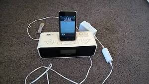 IPOD + Philips IPOD / Digital Radio Docking Station. Florey Belconnen Area Preview