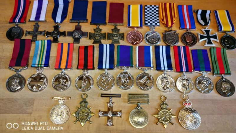 29 Absolutely Stunning quality Collectable Job lot New military medals WW1 WW2