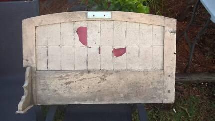 Old Tiled Splasback