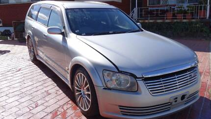 2003 Nissan Stagea Wagon 350S Factory 6speed Axis Autech Vehicle.