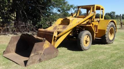 Chamberlain Perkins 4270 Tractor