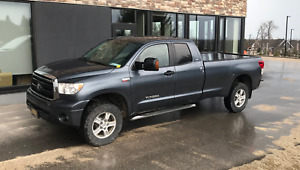 2010 SR5 4WD Double Cab Tundra Log Box 5.7L