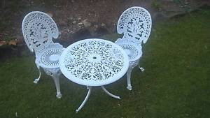 Outdoor Patio Setting 1960's white cast Aluminium Wamberal Gosford Area Preview