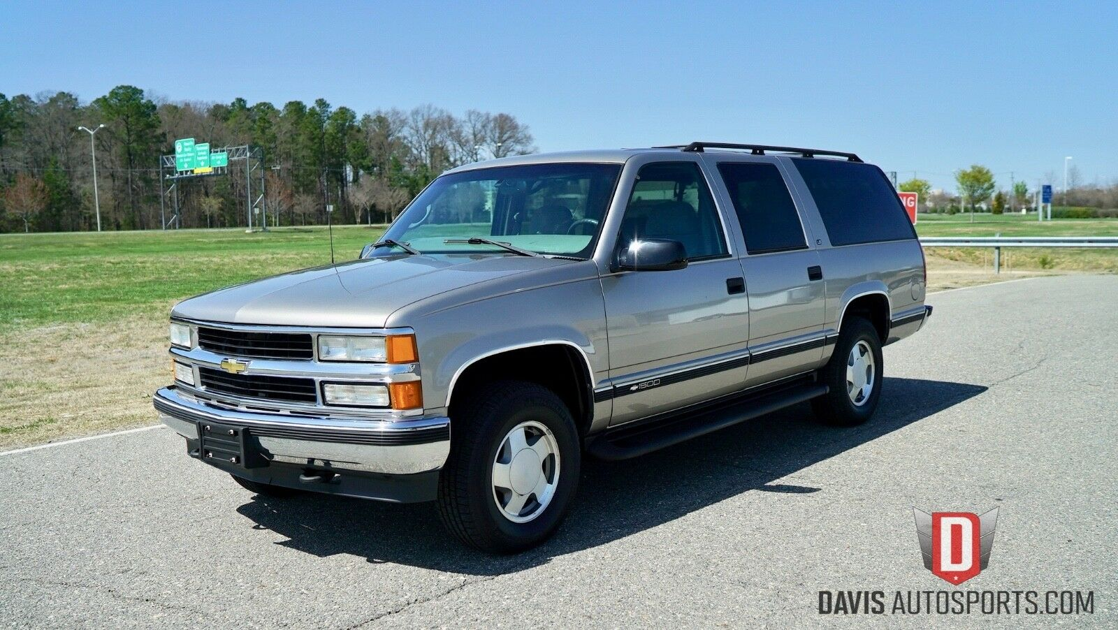 1999 CHEVROLET SUBURBAN 1500 / ONE OWNER / 5.7L 4X4 / WATCH VIDEOS / SUPER CLEAN