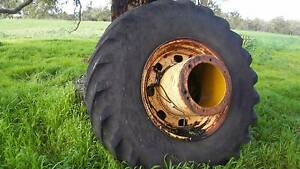 DUAL WHEEL ASSEMBLIES FOR CHAMBERLAIN TRACTOR Mindarie Wanneroo Area Preview