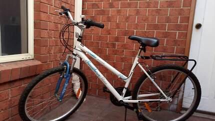"""As New Southern Star Bella Vista Mountain Bike 26"""""""