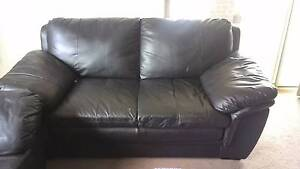 Used 3+2+1 seater Leather sofa set for sale + 4 Seat dining Table Tarneit Wyndham Area Preview