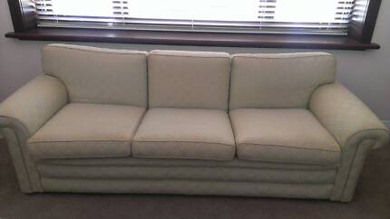 Luxurious 3 Seater Settee Nedlands Nedlands Area Preview