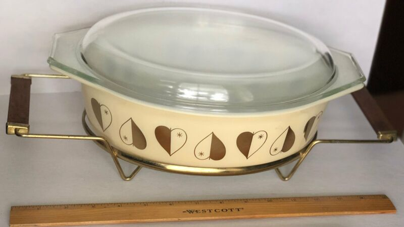 Vintage Pyrex Casserole Gold Heart Pattern Serving Dish on Wood Handle Stand