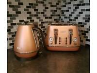 De'Longhi Kettle and toaster set - Copper