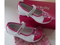 RARELY USED LELLI KELLY (Type LK7604) LITTLE GIRLS – KATE STYLE - BIANCO/FUXIA PUMPS SHOES