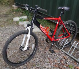 """Apollo Phaze mountain bike, 20"""" large size aluminium frame, 21 gears, disc brakes, 26"""" wheels"""