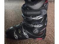 Ski boots size 9