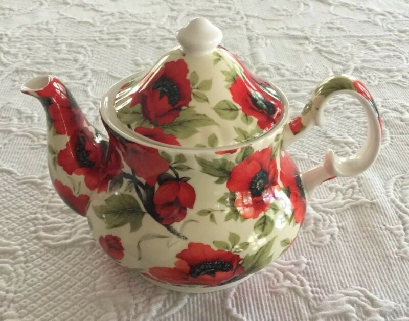 Stoke On Trent Heritage Red Poppies Poppy Tea Pot England Fine Bone China EUC
